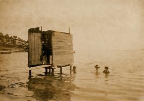 Παρά θιν' αλός: Νέα Μιτζέλα Βόλου, 1903