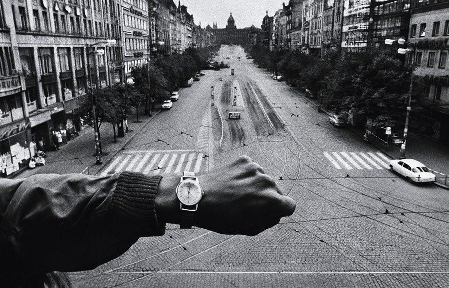 Josef Koudelka: Wenceslas Square, 22 August 1968